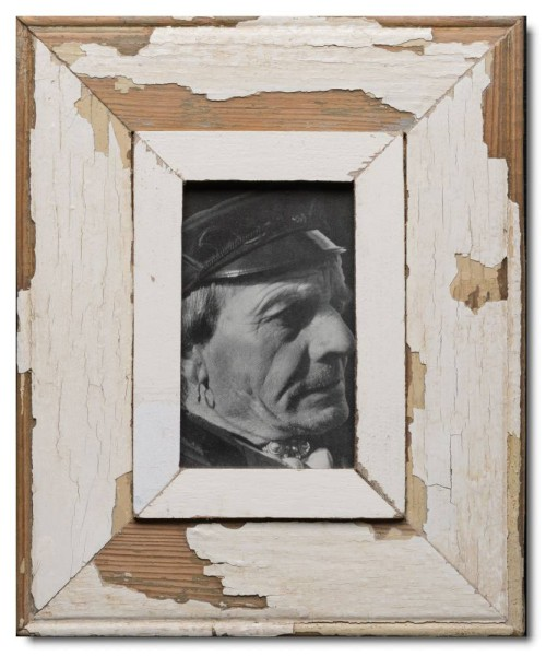Distressed wooden picture frame for picture size A6