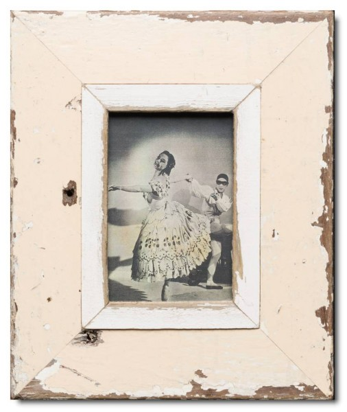 Distressed wooden picture frame for photo format 14,8 x 10,5 cm
