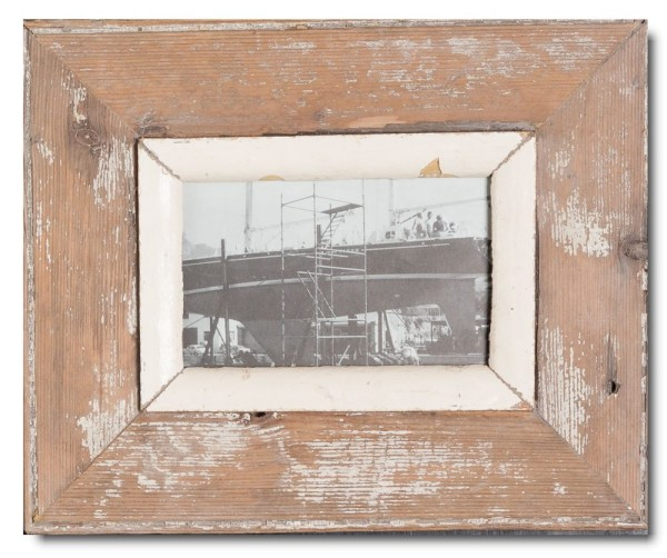 Rustic timber picture frame for photo format 14,8 x 10,5 cm