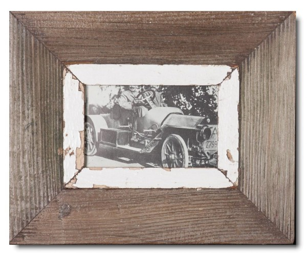 Reclaimed wood frame for photo format 14,8 x 10,5 cm