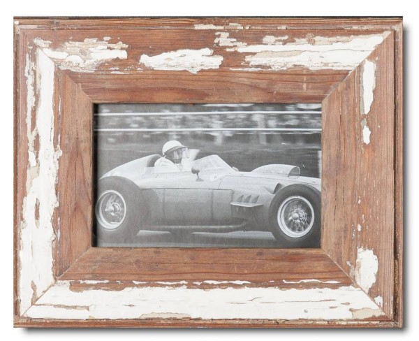 Basic rustic timber picture frame for photo format 10 x 15 cm
