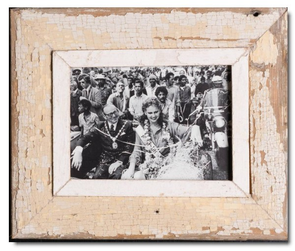 Reclaimed wood photo frame for picture size 14,8 x 21 cm