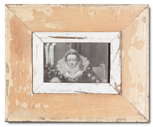 Distressed wooden frame for photo format 14,8 x 10,5 cm