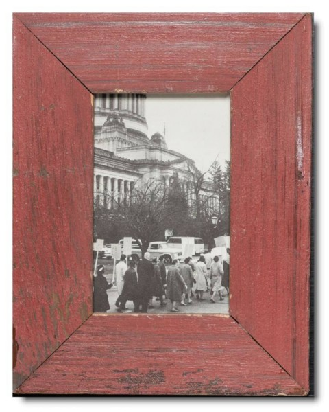 Basic distressed wooden picture frame for picture format 10 x 15 cm