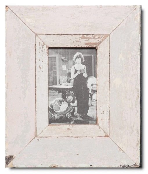 Reclaimed wood picture frame for photo format 14,8 x 10,5 cm