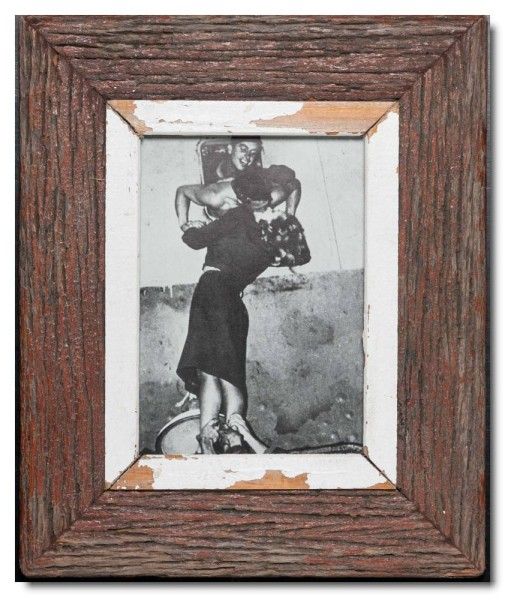 Reclaimed wood picture frame for picture format A5