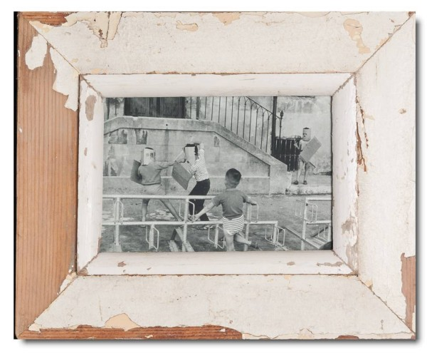 Reclaimed wood picture frame for photo format 14,8 x 21 cm