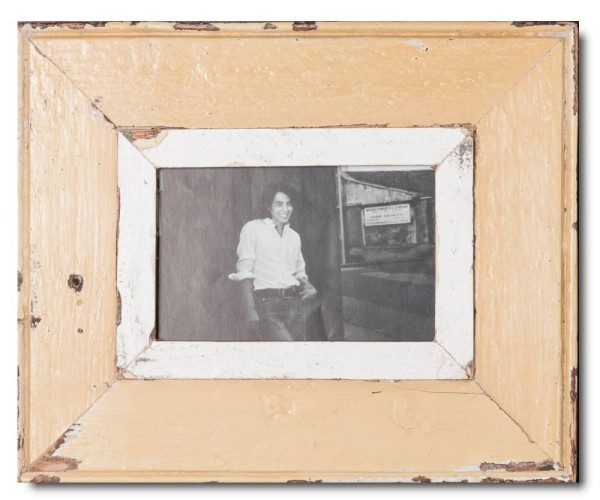 Reclaimed wood photo frame for picture format 14,8 x 10,5 cm