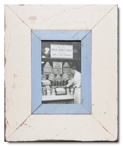Reclaimed wood photo frame for photo format 14,8 x 10,5 cm