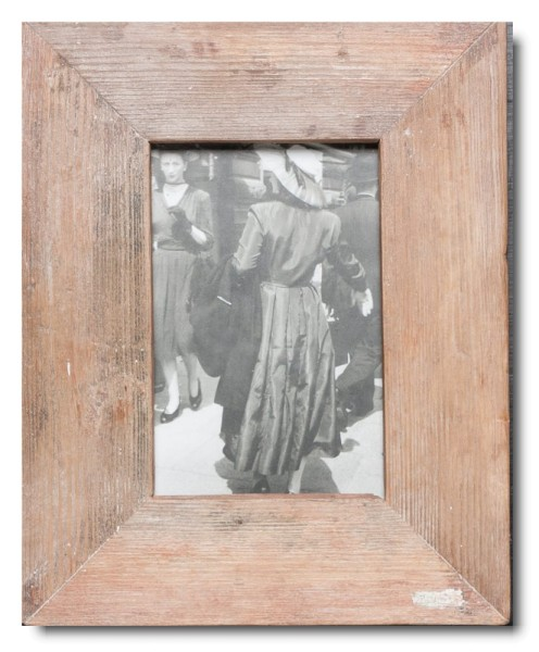 Basic distressed wooden picture frame for photo size 10 x 15 cm