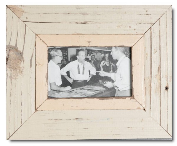Reclaimed wood picture frame for picture size A6