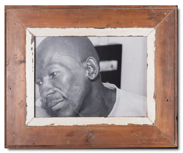 Reclaimed wood photo frame for picture format A4