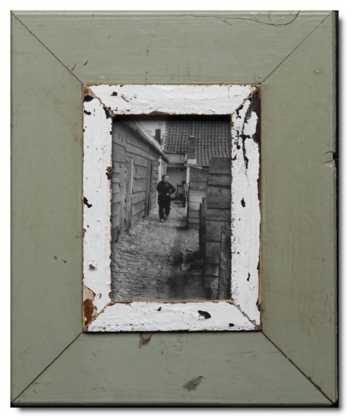 Reclaimed wood photo frame for photo size A6