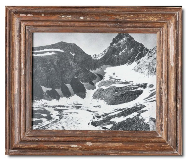Basic distressed wooden picture frame for picture format 20 x 25 cm