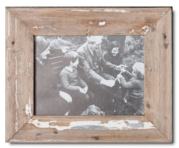 Basic distressed wooden picture frame for photo size 15 x 20 cm