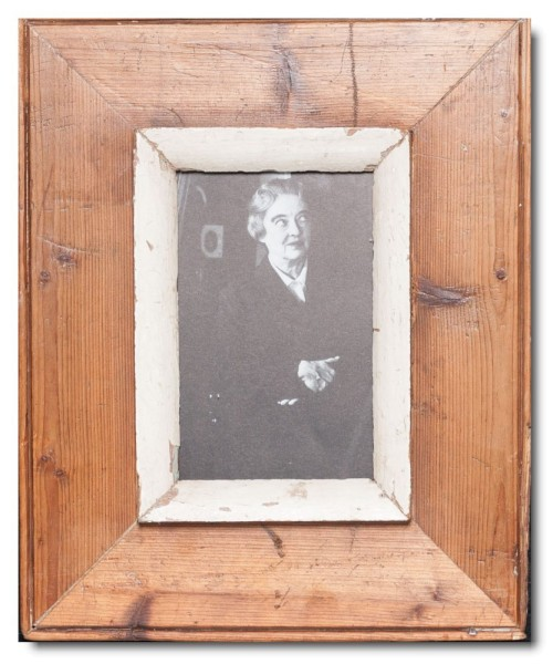 Rustic timber picture frame for picture format A6