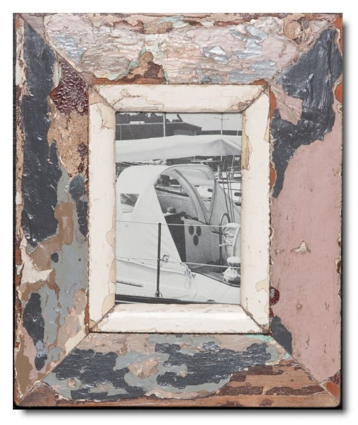 Distressed wooden picture frame for photo size 14,8 x 10,5 cm
