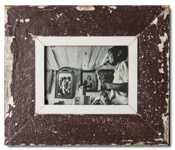 Wide reclaimed wood photo frame for picture format 21 x 14,8 cm