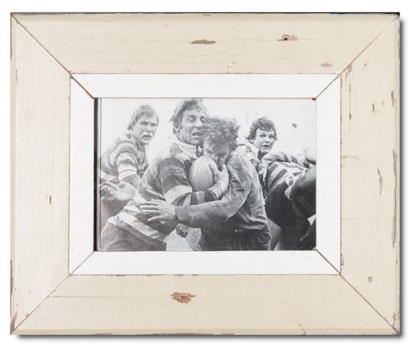 Reclaimed wood picture frame for photo size A5