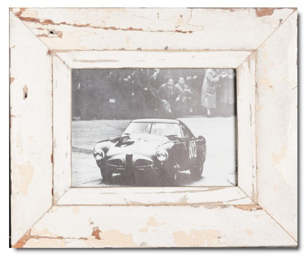 Distressed wooden frame for photo format 14,8 x 21 cm