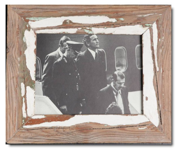 Basic reclaimed wood picture frame for photo size 15 x 20 cm