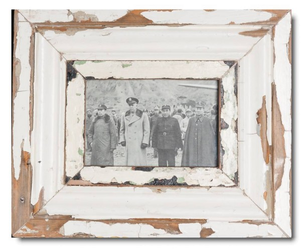 Distressed wooden picture frame for picture size 14,8 x 10,5 cm