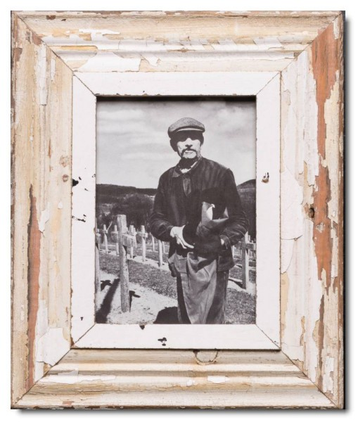 Distressed wooden picture frame for picture format A5