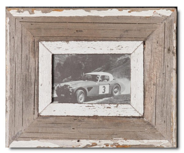 Reclaimed wood photo frame for photo format A6