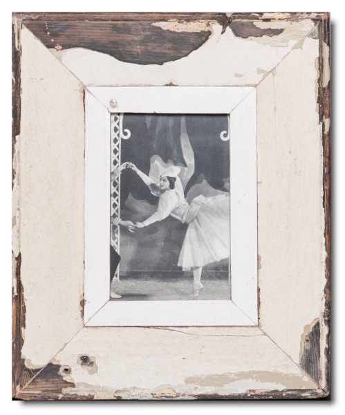 Reclaimed wood picture frame for picture format 14,8 x 10,5 cm