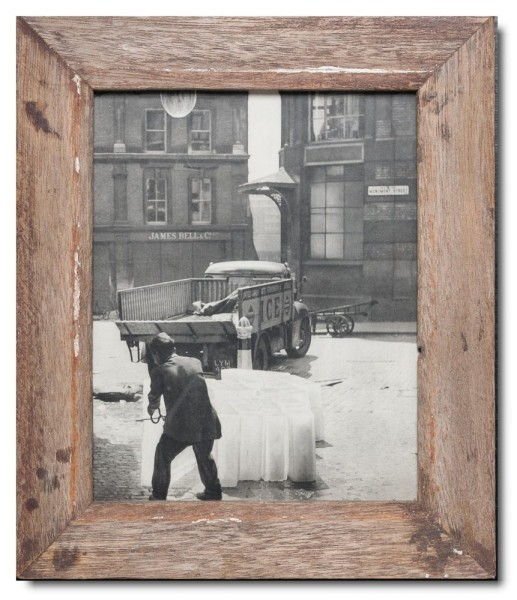 Basic reclaimed wood photo frame for picture format 20 x 25 cm