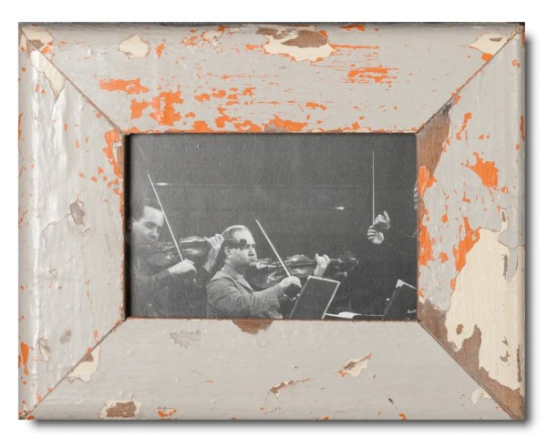 Basic distressed wooden frame square for photo format 10 x 15 cm